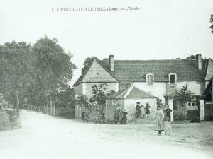 Ecole du Grand Meaulnes à Epineuil-le-Fleuriel en 1900