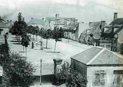 Place d'Epineuil-le-Fleuriel en 1900